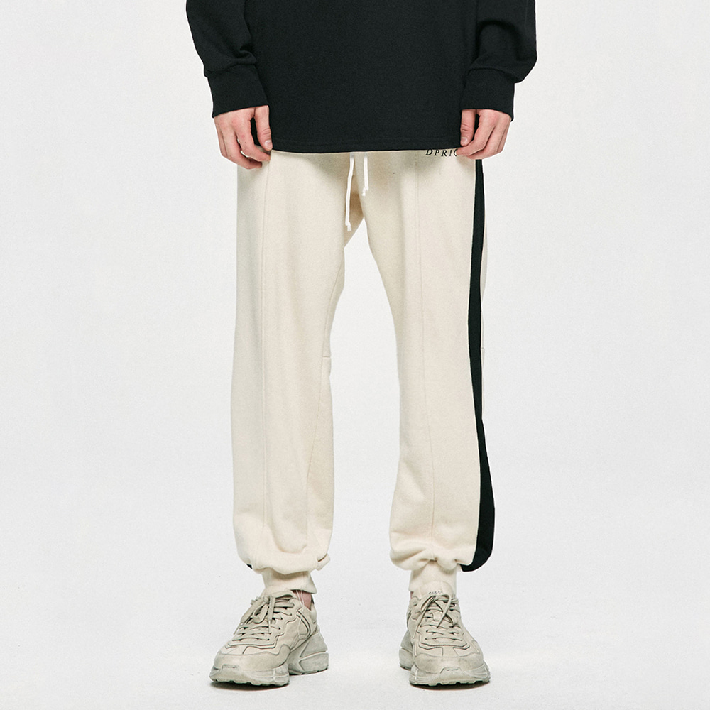 [여자친구 신비 착용] [D.PRIQUE] Cotton Track Pants - Beige/Black