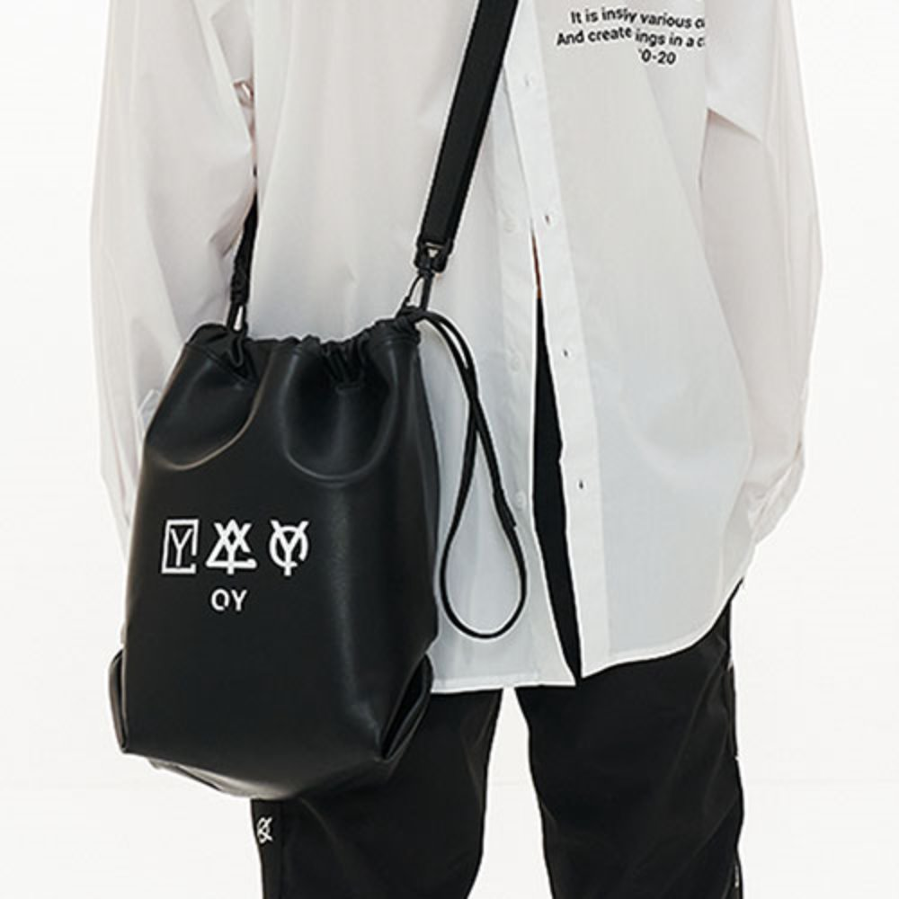 [OY]TRIPLE LOGO LEATHER BUCKET BAG [4/10 예약배송]