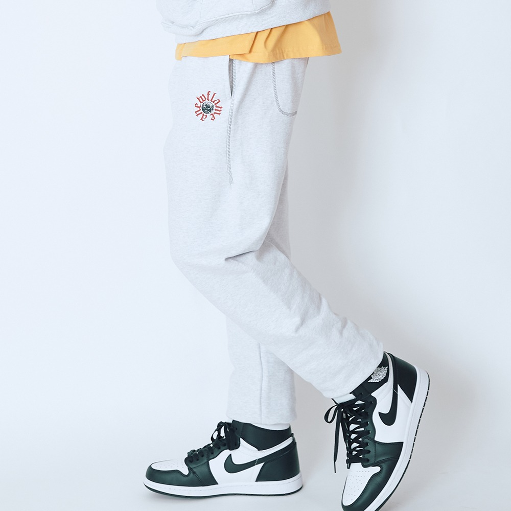 [엔에프에프오] PLANET LOGO SWEAT PANTS LIGHT GRAY