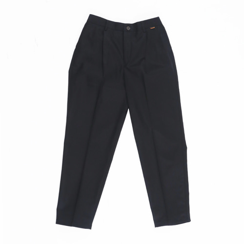 [STAGE NAME]one tuck tapered cotton slacks_BLACK
