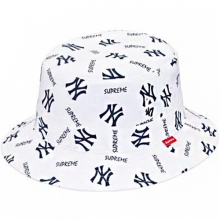 Supreme/New York Yankees Crusher Bucket Hat - White
