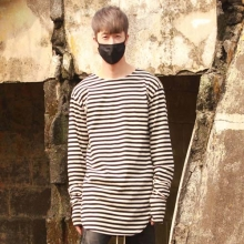 Stripe Sleeve T-Shirt - Black/Beige