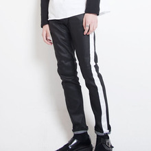 [Alleyesonyou][10%할인] White Line Coated Jean - Black