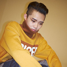 [Double adrenaline syndrome] ADDICTED Turtleneck sweatshirt - Mustard