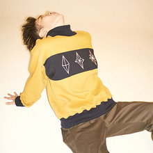 [Double adrenaline syndrome] Fractal Turtleneck sweatshirt - Mustard