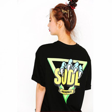 [SUPER DRINK] Sude Devil Hand On Triangle Overfit T-Shirt-Black