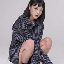 [NEVERCOMMON] oversized paislery shirt - bk