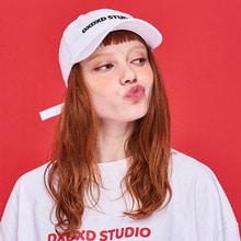 [DxDxD Studio]DXDXD LOGO POLO CAP - WHITE