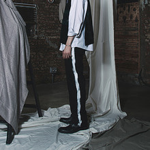 [20% SALE][MUTEMENT]BLACK SIDE PAINTING SLACKS