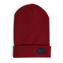 [UNIVERSAL CHEMISTRY] Metal Logo Long Beanie(Red)