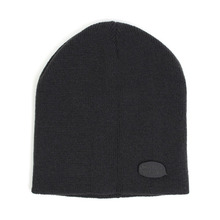 [UNIVERSAL CHEMISTRY] Metal Logo Short Beanie(Charcoal)