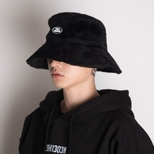 [20%할인][Double adrenaline syndrome]Oversized fur buckethat-Black