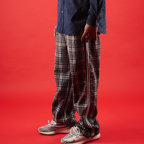 [20%할인][OVER THE ONE] CHECK PATTERN SIDE LINE PANTS (gray)