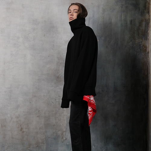 [REC INTERVIEW] DAMAGE TURTLENECK KNIT BLACK