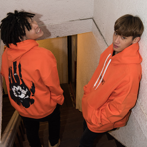 [CLOSKIN] Orange Hand Hoodie
