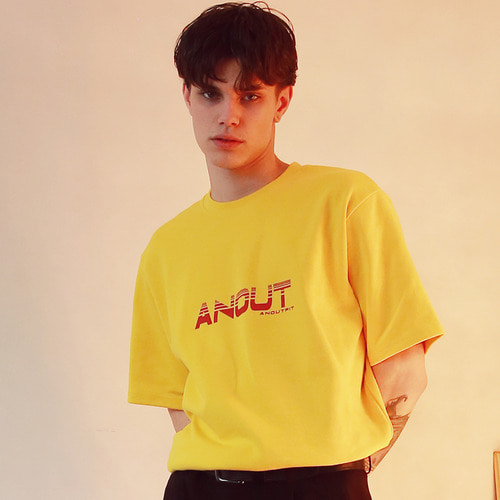 [언아웃핏]UNISEX ANOUT SIGNATURE T-SHIRTS YELLOW