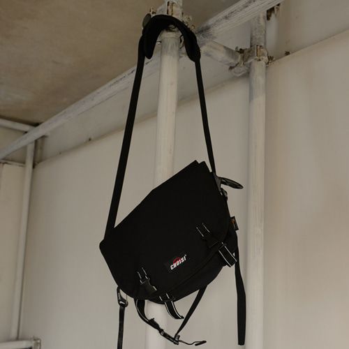 [choisi]Buckle Wasit Bag - Black