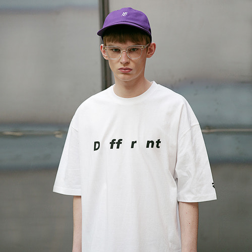 [MASSNOUN] DIFFERENT REFLECTIVE OVER-FIT T-SHIRTS MSETS002-WT