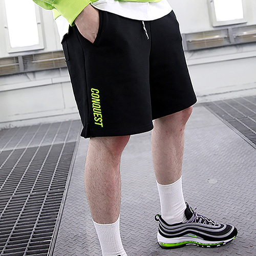 [RENDEZVOUZ] CONQUEST SWEAT SHORT BLACK