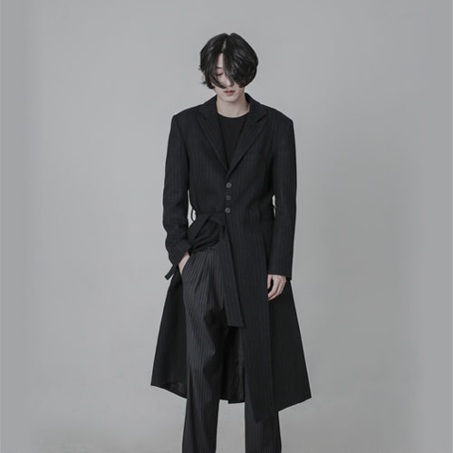 [AUFSTAND] Hidden Strap Detailed Long Coat - Black