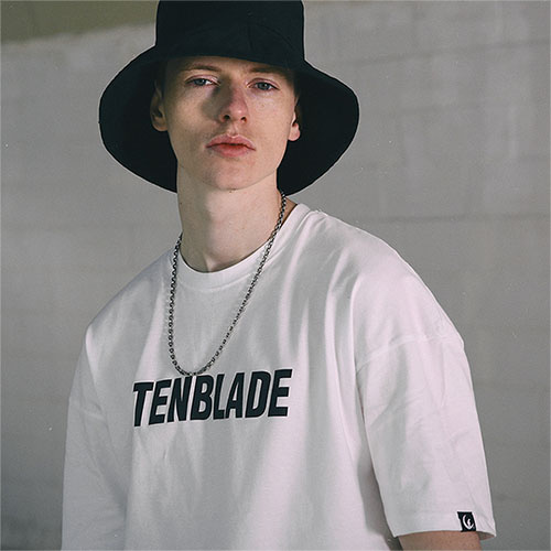 [04/23] [TENBLADE] Original Logo Graphic Print Tee_White