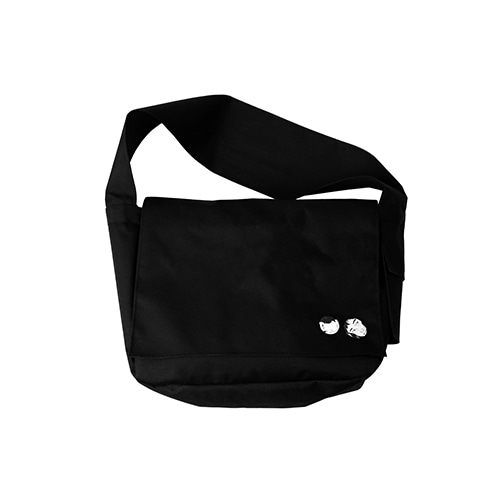 [AJOBYAJO] Plain Messenger Bag [Black]