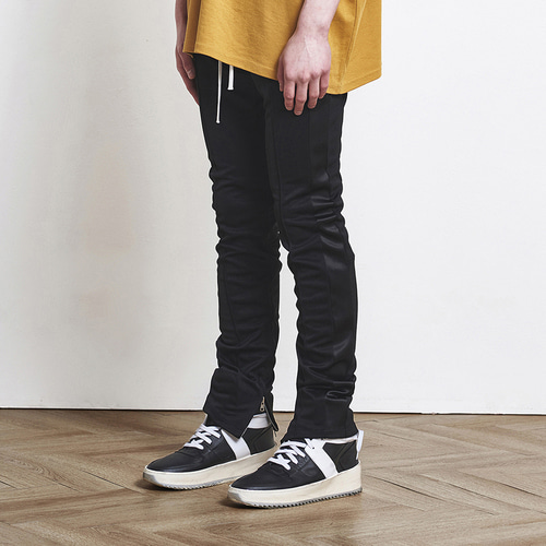 [D.PRIQUE] Track Jogger Pants Black+White (d18sb012)