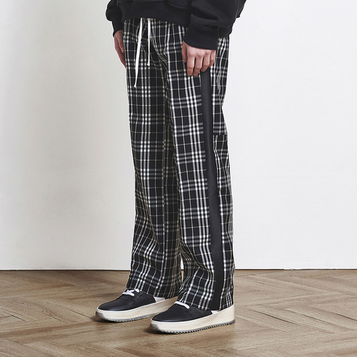 [D.PRIQUE] Check Track Pants Black (d18sb041)