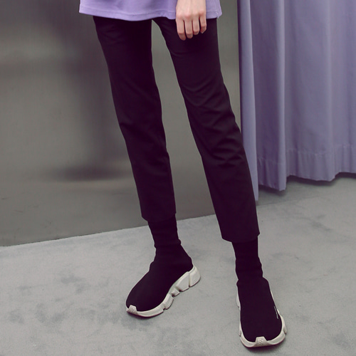 [언아웃핏]UNISEX TAPERED SIDE BANDING SLACKS BLACK