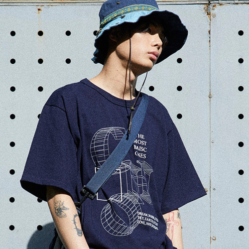[choisi]CHO Graphic Logo T-Shirt, Navy