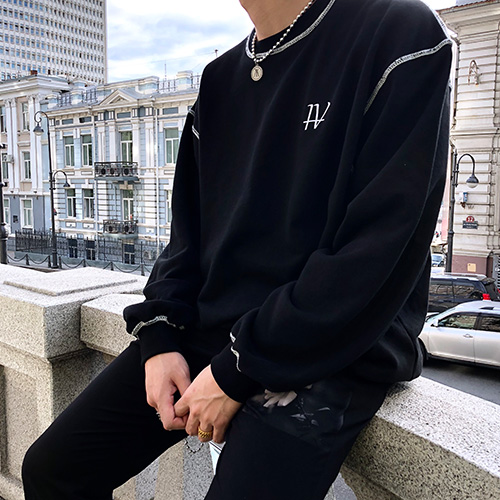 [4BLESS] Symbol Crewneck Black