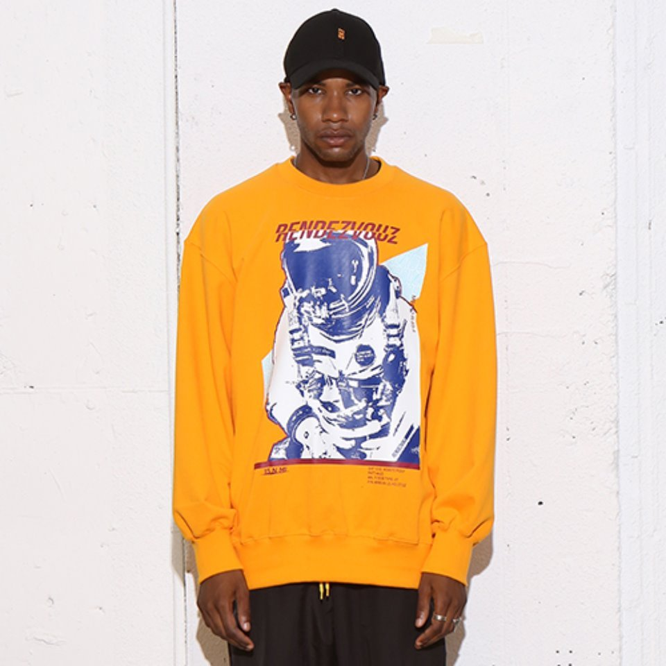 [RENDEZVOUZ] SPACE MAN SWEAT TOP ORANGE