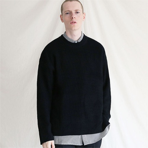 [TENBLADE] Hive crew neck placket knit_Black
