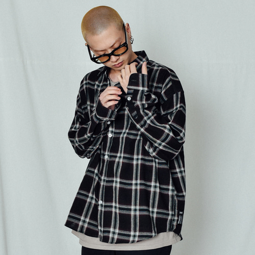 [BASEMOMENT] Modern Check Over Shirt Black