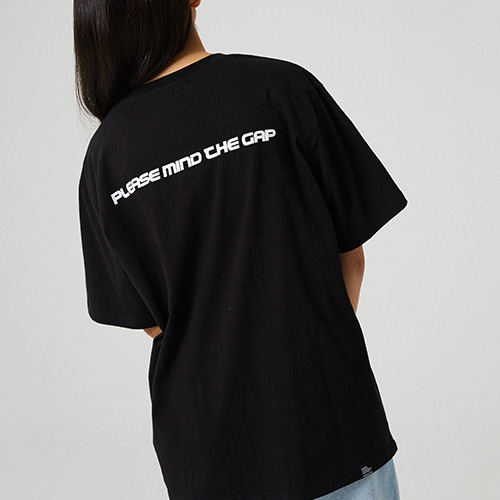[매드마르스] MIND THE GAP T-SHIRT_BLACK