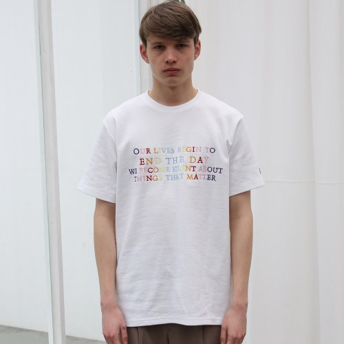 [ANOUTFIT] UNISEX END THE DAY T-SHIRTS WHITE