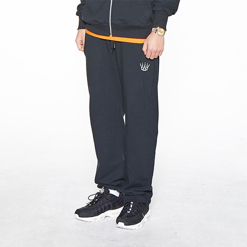 [Feel Enuff] CROWN SWEATPANTS - BLACK