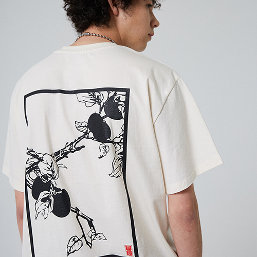 [매드마르스] PERSIMMON TREE T-SHIRT_IVORY
