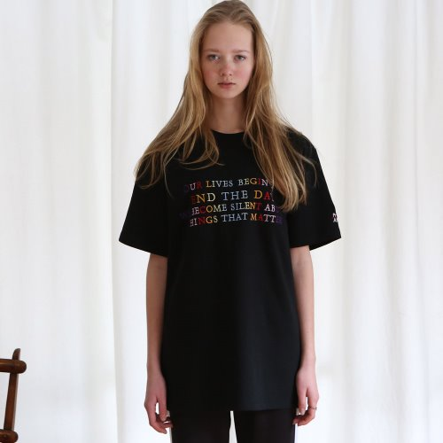 [ANOUTFIT] UNISEX END THE DAY T-SHIRTS BLACK