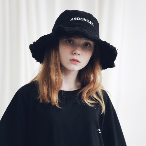 [ARDOROBE] WASHING LOGO EMBROIDERY BUCKET HAT AAC191002-BK