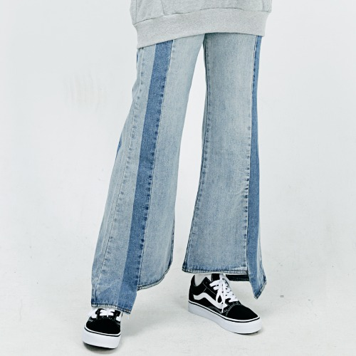 [ARDOROBE] SIDE COLOR COMBINATION BOOTS-CUT DENIM PANTS ALP183003-BL