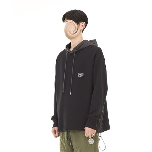 [RENDEZVOUZ] CHARACTER SIDE BLOCK HOODIE BLACK