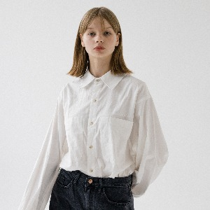 [ARDOROBE] UNISEX DOUBLE POCKET BASIC SHIRT AST193001-WT