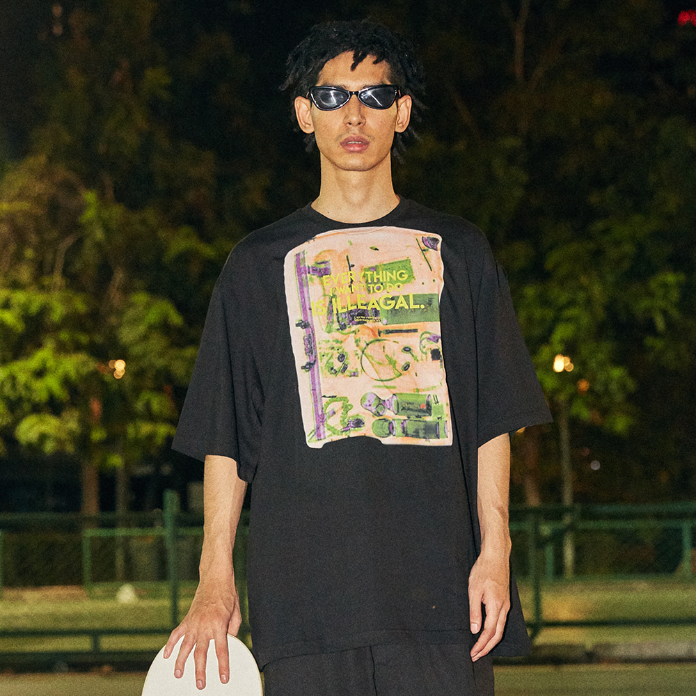 [아임낫어휴먼비잉] Big Baggage Short Sleeve T-Shirt - BLACK