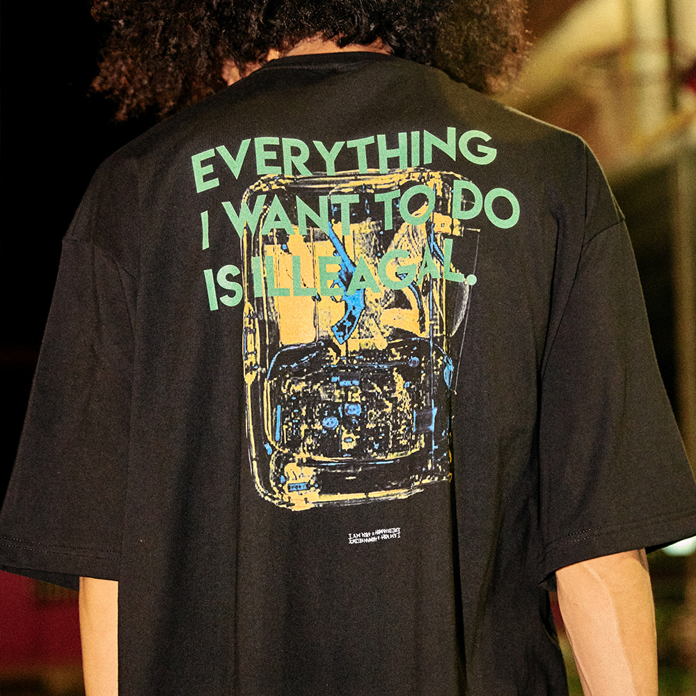[아임낫어휴먼비잉] Everything Baggage Short Sleeve T-Shirt - BLACK