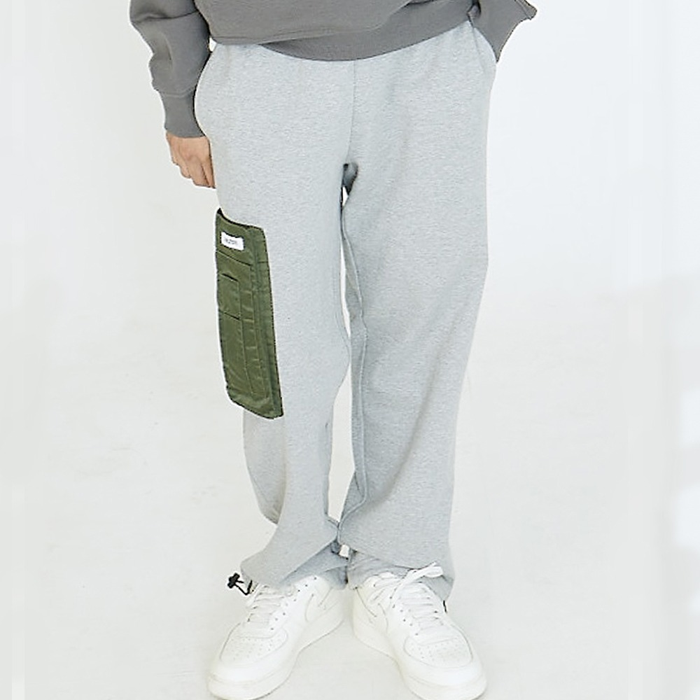 [아임낫어휴먼비잉] POCKET DETAIL SWEATPANTS - GREY