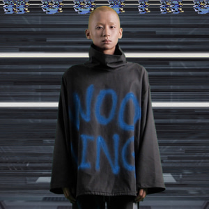 [WOOVING] PAINTED STRING TURTLENECK (BLACK)
