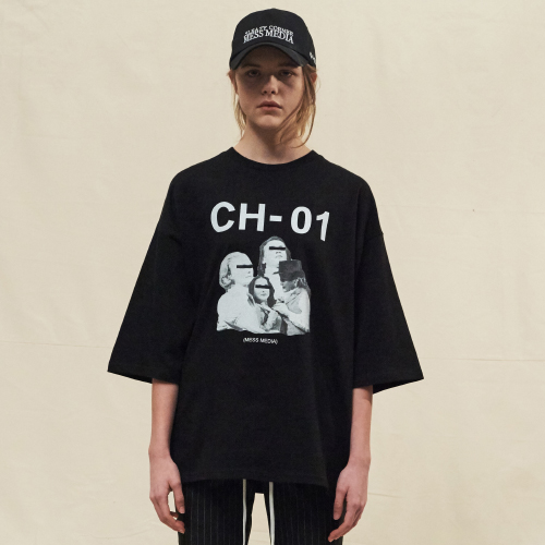[20%할인][SLEAZY CORNER] ARTWORK OVER HALF T SHIRT-BLACK