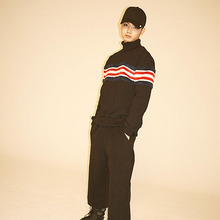[Double adrenaline syndrome] Stripe halfneck sweatshirt - Red