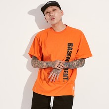 [BASEMOMENT] VERTICAL LOGO T-SHIRT - ORANGE